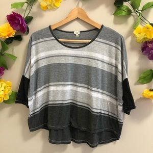 Aritzia Wilfred Gray Striped Oversized Cropped Tee
